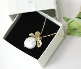 Leaf initial, Orchid Coin pearl necklace ,Personalized necklace, freshwater pearl, mothers day gift