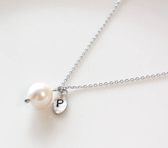 Initial necklace, Leaf initial, pearl pendant necklace,Personalized necklace, freshwater pearl, mothers day gift