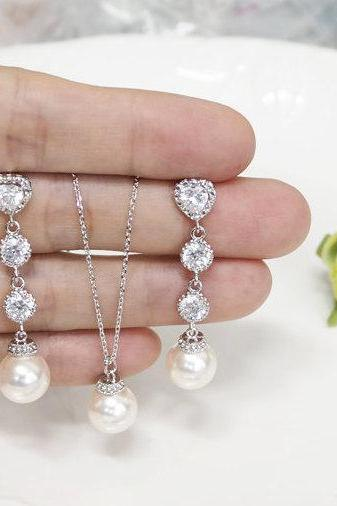Bridesmaid gift set- pearl necklace, Pearl Earrings, Swarovski Pearl Earrings, cubic zirconia earrings,Maid of Honor gift set