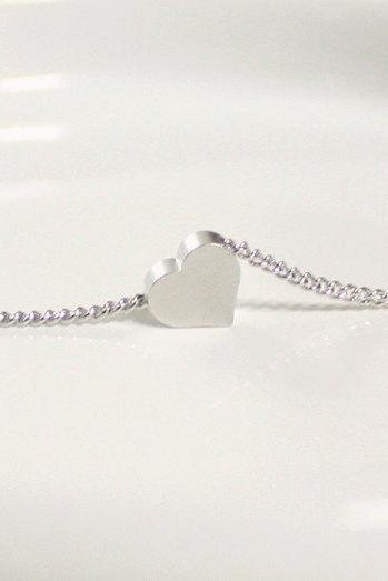 White gold tiny heart simple necklace