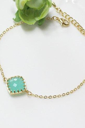 Mint crystal bracelet, stone in bezel