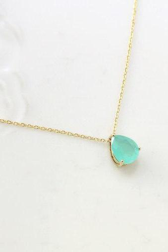 Mint Stone Necklace, teardrop,raindrop Necklace,Bridesmaid Gift,mint necklace, mint pendant, wedding, Everyday Necklace, Stone in Bezel