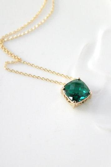 Emerald necklace, green emerald necklace, bridesmaid necklace, deep green necklace,stone in bezel, glass stone