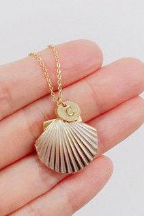 Personalized Gold Seashell Locket Initial Chain Necklace