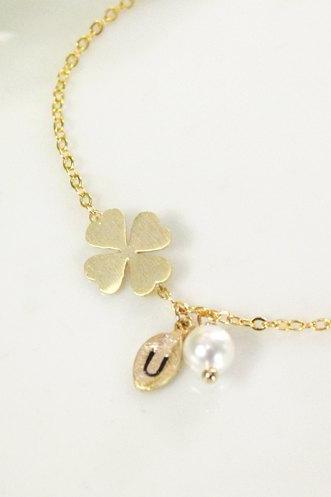 Bridesmaid gifts - Set of 5 -Leaf initial, Clover bracelet, Initial bracelet, Personalized bracelet, good luck, Swarovski Pearl