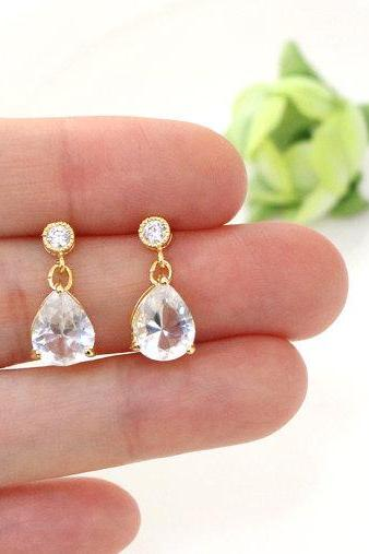 Clear crystal earrings, everyday jewelry, crystal drop earring,Silver stud, bridesmaid gifts, wedding jewelry, glass earring, simple earring